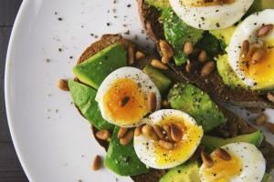 Αυτές είναι οι 20 υγιεινές τροφές που μειώνουν το αίσθημα πείνας και έχουν ελάχιστες θερμίδες
