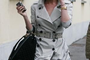 Glossy καμπαρντίνα: Το πανωφόρι must-have για την άνοιξη! (Photo)