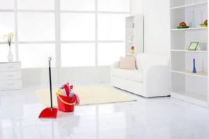 Νοικοκυρές σε απόγνωση: Βρήκαμε τον τρόπο για πεντακάθαρο πάτωμα χωρίς καθάρισμα!