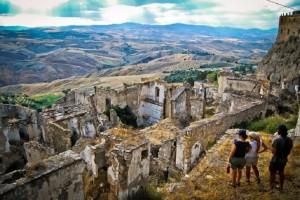 Ελληνική πόλη στην... Ιταλία; Δες που κρύβεται η πόλη - φάντασμα!