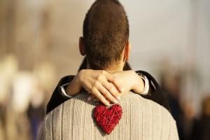 Πως να του δείξεις ότι είσαι ερωτευμένη όταν αυτός δεν έχει ιδέα!