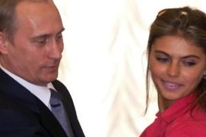 Το κορίτσι του Πούτιν πήγε με την γούνα της και το... χαμόγελο της να ψηφίσει (Photos)