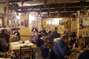 5 ιστορικά ταβερνάκια της Αθήνας με το πιο νόστιμο και ποιοτικό φαγητό!