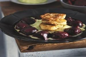 Μία εναλλακτική συνταγή: Λουκουμάδες μπακαλιάρου με αλιάδα και ψητά παντζάρια!