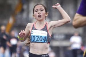Ημιμαραθώνιος Αθήνας 2018: Η 12χρονη Γλυκερία τερμάτισε τρίτη και έκλεψε την παράσταση