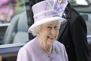 H στιγμή που η βασίλισσα Ελισάβετ ήρθε για μια και μοναδική φορά στην Ελλάδα (Video)