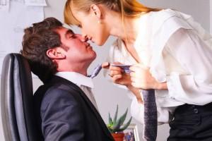 Αληθινή ιστορία: Έκανα έρωτα με το αφεντικό μου για να κρατήσω την θέση μου!