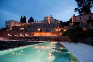 Αυτό είναι το πιο ρομαντικό ξενοδοχείο στην Ελλάδα που έχει βαθμολογία στην booking 9,3! (photos)