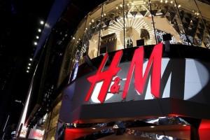 H&M: Αυτά είναι τα οικονομικά παντελόνια που δεν πρέπει να λείπουν από την ντουλάπα σου! (Photo)