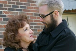Ο έρωτας χρόνια δεν κοιτά: «Είναι φοβερή ερωμένη», παραδέχεται 19χρονος για την 72χρονη σύντροφό του