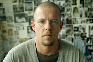 Αλεξάντερ ΜακΚουίν: Κυκλοφόρησε το πρώτο trailer για την ζωή του (video)