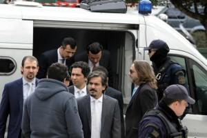 Ελεύθερος με αυστηρούς περιοριστικούς όρους ένας από τους 8 Τούρκους πραξικοπηματίες!