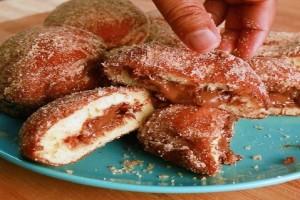 Η τέλεια συνταγή για σπιτικά donuts γεμιστά με πραλίνα φουντουκιού! (Video)
