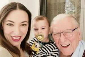 Τρυφερός «χαζομπαμπάς» ο Βουτσάς! Η φωτογραφία με την γυναίκα του και τον γιο τους στα social!