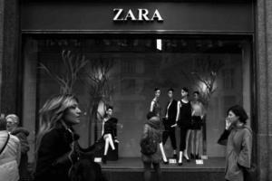 Shop it! Τα καλύτερα φορέματα για την Ανάσταση από τα Zara! Κοστιζούν κάτω από 20 Ευρώ...