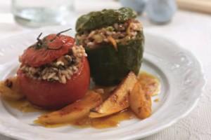 Παραδοσιακή μαμαδίστικη συνταγή: Γεμιστά με κιμά και ρύζι!