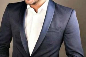 Έλληνας τραγουδιστής έπεσε θύμα διαδικτυακής απάτης! Διέρρευσαν φωτογραφίες του σε chat γνωριμιών!