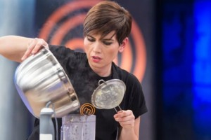 MasterChef: Ετοιμάζονται για μαγειρικό «πόλεμο»! Ποιος φεύγει απόψε; (video)