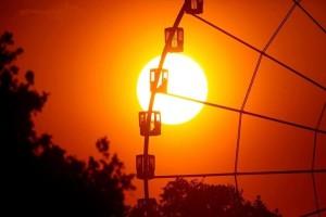 H φωτογραφία της ημέρας: Ο ήλιος δύει στο Παρίσι!