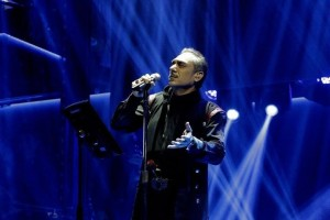 Πασίγνωστος συνθέτης απαγόρευσε στον Σφακιανάκη να λέει τα τραγούδια του!