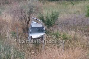 Σοκαριστικό τροχαίο στην Λαμία: Το αμάξι βρέθηκε μέσα σε χωράφι! (photos)