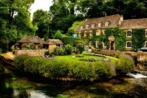 Bibury: Το πιο όμορφο και πολυφωτογραφημένο χωριό της Αγγλίας! (photos)