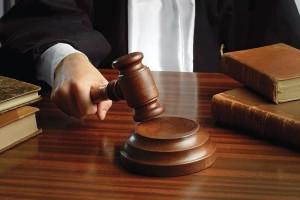 Έδειξε το πέος του στο δικαστήριο για να αποδείξει την αθωότητά του!