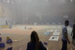 Νέο σοκαριστικό βίντεο από τα επεισόδια στο κλειστό του Μαρκοπούλου!