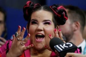 """""""Διαλέξατε το διαφορετικό..."""": Οι πρώτες δηλώσεις της """"Netta"""" μετά τη νίκη της στην Eurovision! (video)"""