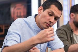 MasterChef: Ο Σωτήρης Κοντιζάς αποκαλύπτει για πρώτη φορά το λόγο που άφησε την τράπεζα για τις κουζίνες!
