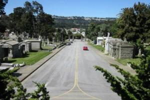 Σε αυτή την πόλη οι νεκροί είναι 1000 φορές περισσότεροι από τους ζωντανούς! (photos)