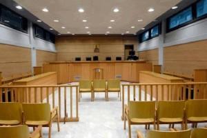 Έσερνε την πρώην γυναίκα του στο δικαστήριο επειδή άργησε... μισή ώρα!