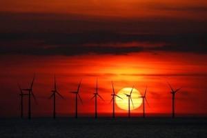 Η φωτογραφία της ημέρας: Ο ήλιος δύει πίσω από το αιολικό πάρκο Burbo Bank στο Νιου Μπράιτον!