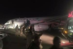 Βίντεο - σοκ: Αεροπλάνο προσγειώνεται χωρίς την μπροστινή του ρόδα!