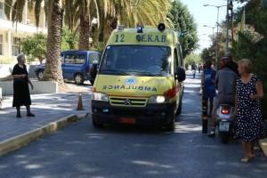 Συναγερμός στη Μεταμόρφωση: Αυτοκίνητο έπεσε σε στάση λεωφορείου!