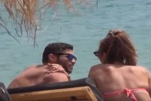 Ευρυδίκη Βαλαβάνη - Κωνσταντίνος Βασάλος: Πρώτη ξαπλώστρα πίστα στην Μύκονο! Τα τρυφερά τετ α τετ στην πιο κοσμική παραλία! (Video)