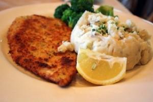 Μία υπέροχη συνταγή: Κοτόπουλο με πουρέ πατάτας και σάλτσα λεμονιού!