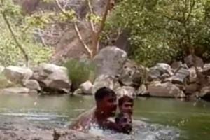 Βίντεο - σοκ: Τρεις Ινδοί καταγράφουν τον πνιγμό τους!
