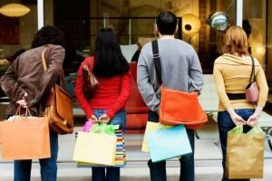 Σας αφορά: Ποια καταστήματα είναι ανοιχτά σήμερα στην Αττική;