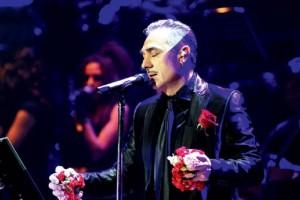 Σε... άπταιστα αλβανικά ο Σφακιανάκης καλεί κόσμο στη συναυλία του! (video)