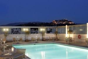 Σας προτείνουμε 5 πισίνες για μπάνιο στην Αθήνα