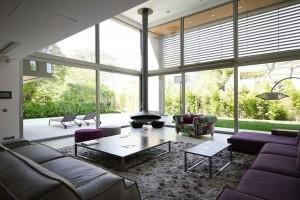 Δώστε βάση: Αυτός είναι ο λόγος που δεν πρέπει να ψεκάζετε τα παράθυρα του σπιτιού σας με ξύδι!