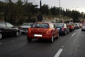 Οδηγοί δώστε βάση: Κυκλοφοριακό κομφούζιο στον Περιφερειακό του Καρέα!