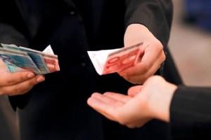 """Μεσσηνία: Εξεταστής """"λαδώθηκε"""" με... 10 ευρώ!"""