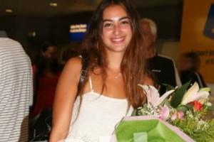 Survivor: 'Εφτασε στην Ελλάδα η Ροδάνθη Καπαρού! Οι αγκαλιές και τα φιλιά με την οικογένειά της!