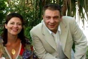 """""""Είχαμε και ένα παιδάκι που τον λάτρευε"""" - Συγκλονίζει η γυναίκα του Έλληνα δημοσιογράφου που πέθανε στα 45 του χρόνια! (video)"""