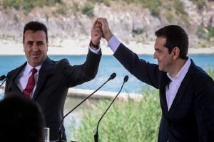 Όλο το παρασκήνιο από την ιστορική συμφωνία που υπεγράφη στις Πρέσπες! - Όσα δεν έδειξαν οι κάμερες! (Photo & Video)
