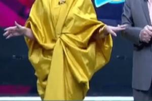 Παρουσιάστρια πλήρωσε το... «προκλητικό» της ντύσιμο! Την απέλυσαν στον «αέρα» (video)