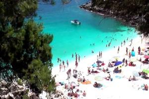 Σαλιάρα: Η εξωτική ελληνική παραλία που θα σας κάνει να ξεχάσετε ακόμα και τους Εγκρεμνούς! (photos)