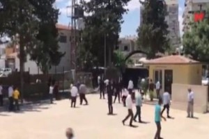 Άρχισαν τα όργανα στην Τουρκία: Μαχαιρώθηκε υποστηρικτής του φιλοκουρδικού κόμματος!